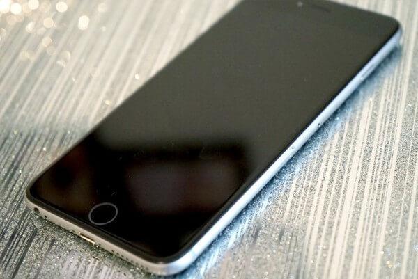 OLED یا MicroLED کدام یک آینده نمایشگرهای اپل را رقم خواهد زد؟