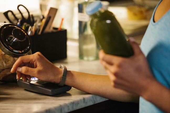 معرفی jawbone up4 با قابلیت کیف پول همراه
