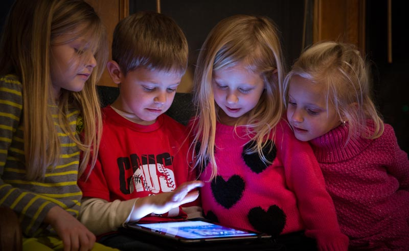 kids-youtube-ipad-tablet