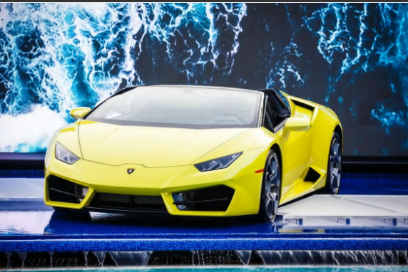 lamborghini-huracan-rwd-spyder-can-walk-on-water