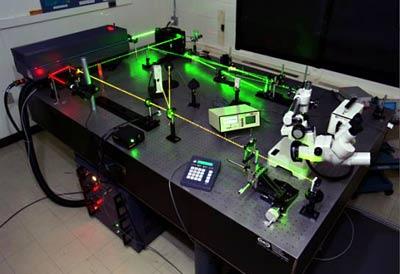 دستگاه لیزری با اندازه گیری در حد ۰/۱ میکرومتر ساخته شد