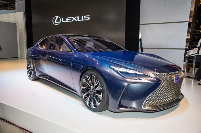 لکسوس خودروی جدید LS را به زودی رونمایی می کند
