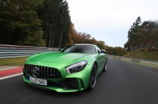 mercedes-amg-gt-r-smashes-rear-wheel-drive-nurburgring-record-