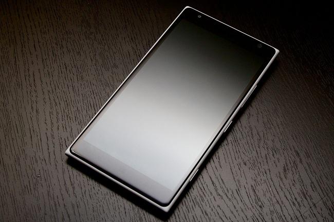 لومیا ۹۴۰ و احتمال استفاده از صفحه نمایش ۵٫۲ اینچی