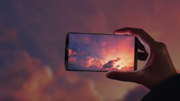 آیا گوشی بدون حاشیه در ویدیوی جدید سامسونگ دیسپلی، گلکسی اس ۸ است؟
