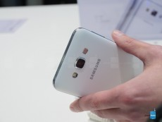 samsung-galaxy-e7-hands-on-5.JPG