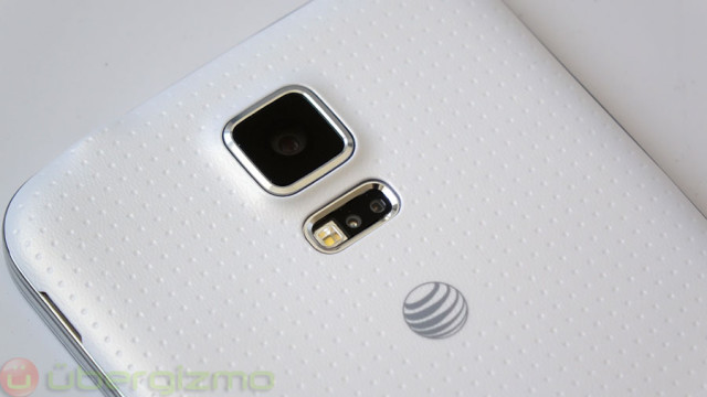 تصاویری از تلفن هوشمند BlackBerry Passport با رنگ طلایی و مشکی