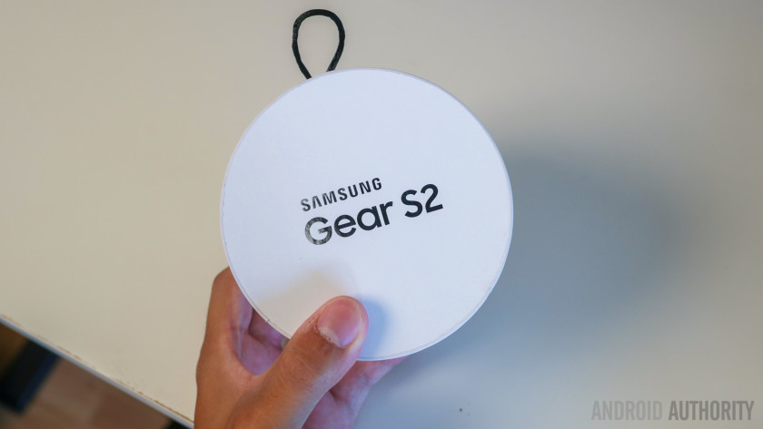 samsung-gear-s2-unboxing-aa-1-of-20-840x473