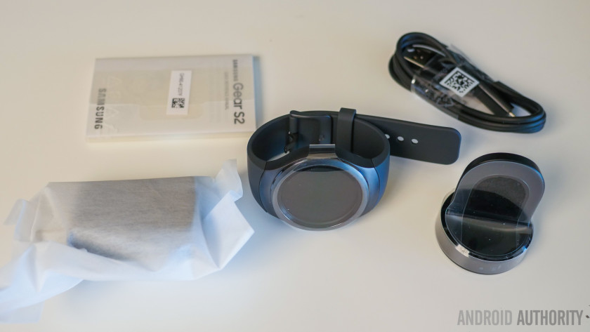 samsung-gear-s2-unboxing-aa-2-of-20-840x473