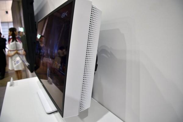 اولین نمایشگر 8K