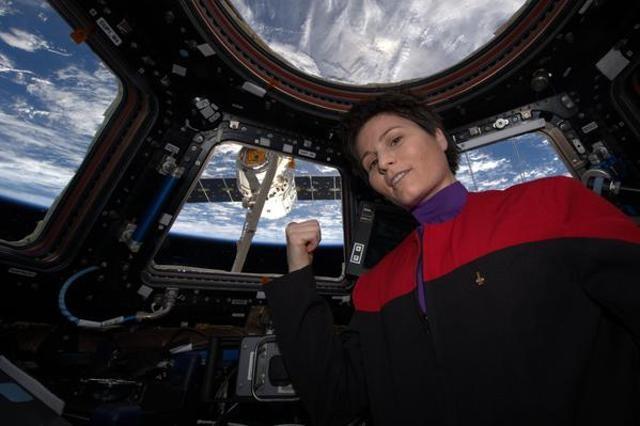 گرفتن عکس سلفی در فضا توسط فضانوردان