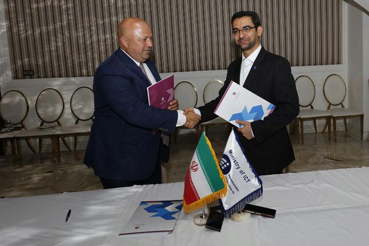 قرار داد همکاری ترکسل و شرکت ارتباطات زیر ساخت به امضا رسید