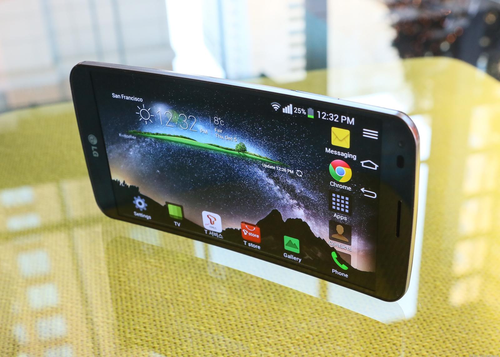 تلفن هوشمند LG G Flex 2 در CES 2015 حضور دارد