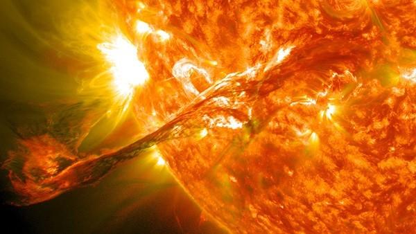زبانه خورشید
