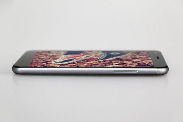 تلفن هوشمند Zopo Touch با صفحه نمایش خمیده معرفی شد