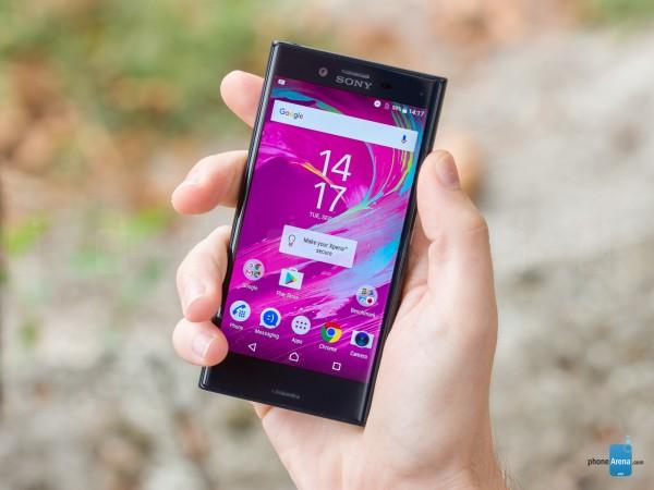 معرفی و بررسی گوشی Sony Xperia X Compact