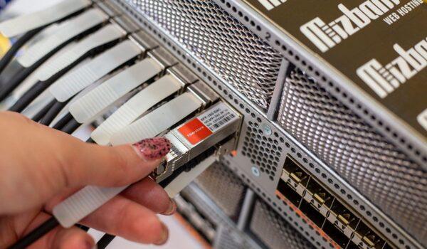 سرور ابری با تضمین پایداری ۱۰۰ درصد فقط در میزبان فا