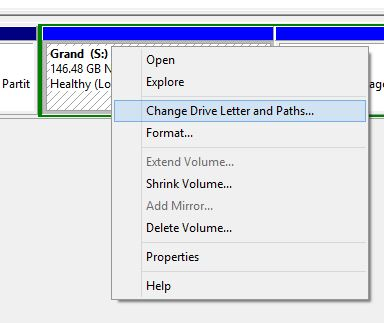 برای تغییر شناسه درایو در ویندوز 8 و 8.1 مطابق ویندوز 10 باید پیش بروید و از بخش مدیریت دیسک، و راست کلیک بر درایو، گزینه مشخص شده را انتخاب کنید