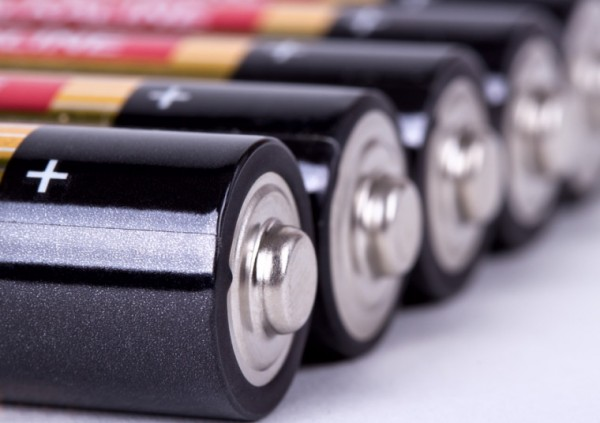 باتری آلومینیومی جدیدی که در ۶۰ ثانیه شارژ می شود