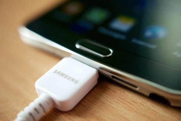 چرا گوشی در حالت روشن شارژ نمیشود